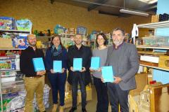 Don de tablettes par l'association Coeur-vert